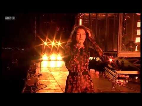 Lorde - Perfect Places (Glastonbury 2017)