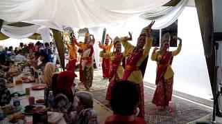 Daling daling dance performed at Kota Kinabalu.