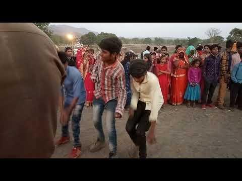 O Nani Raju Bhai Ki Dukan Par Aaweji O (aadiwasi Ke Naye Gane DJ 2019) Vadya Gopalpura
