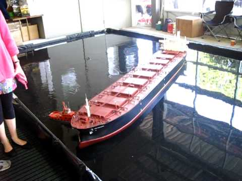 RC bulk coal carrier turn around