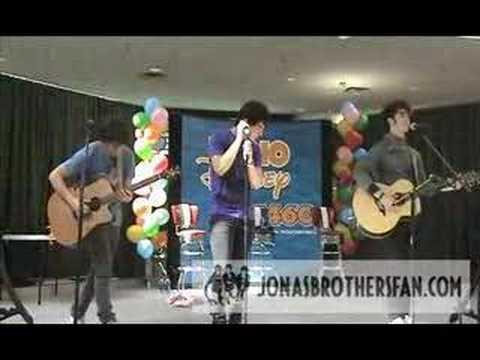 Jonas Brothers- Eternity, Clifton Park