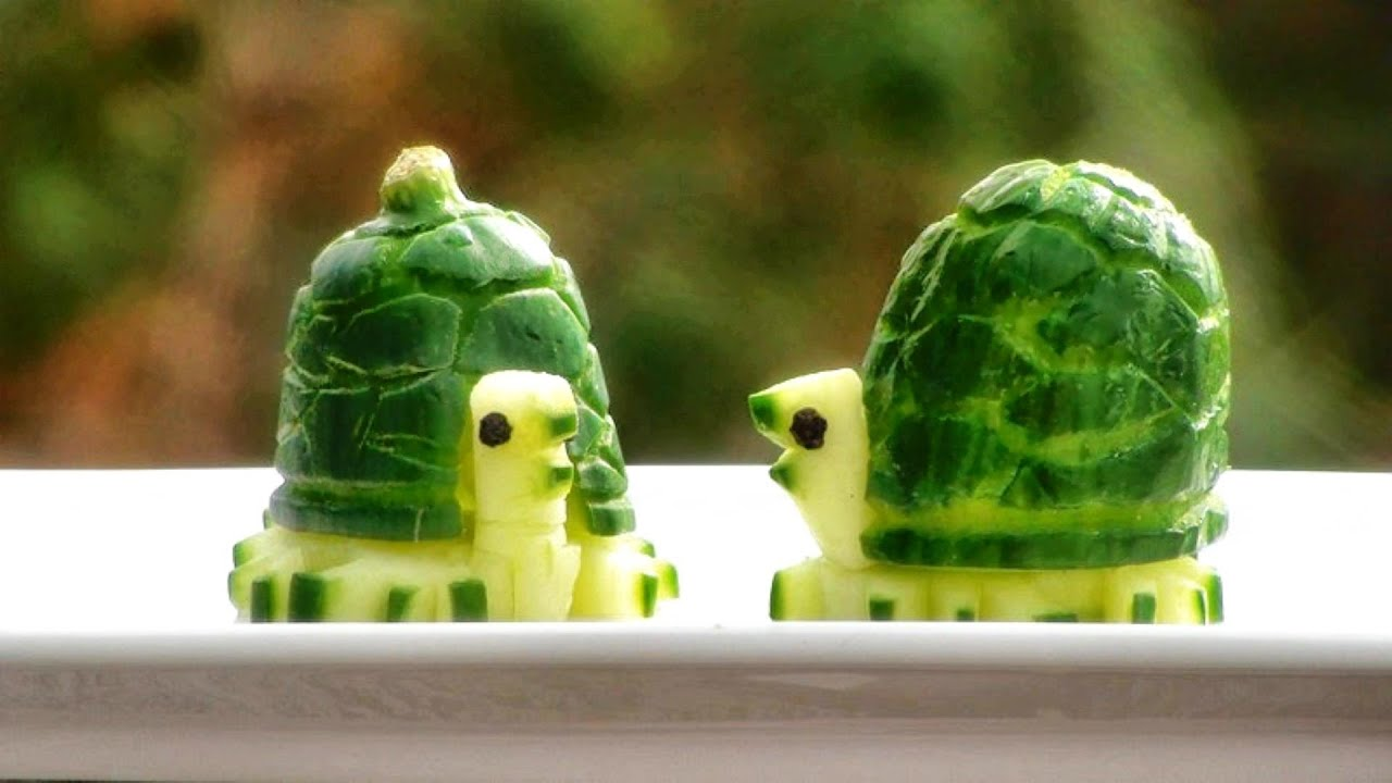 Art in cucumber turtles vegetable carving garnish for Art of food decoration