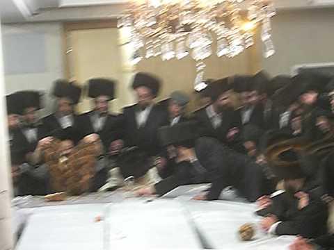 Skulener rebbe Purim tish, 5770
