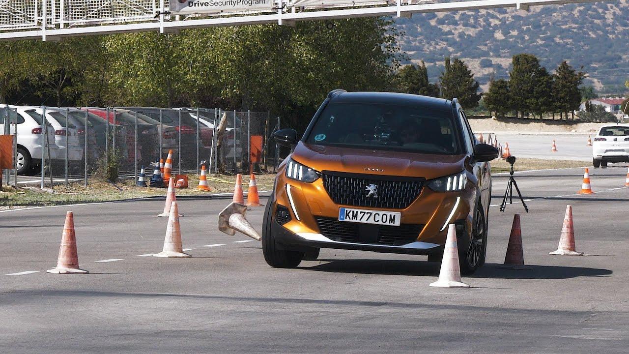 Peugeot 2008 2020. Maniobra de esquiva y Eslalon   km77.com
