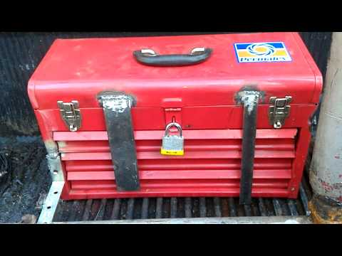 World's most ghetto jerry riged truck tool box. But hey it works!