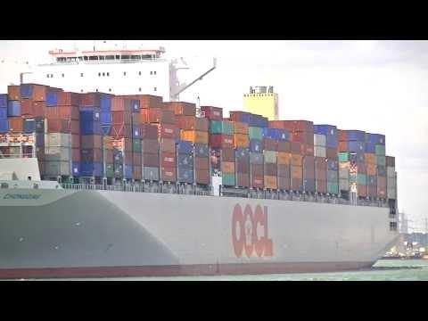 OOCL Chongqing & Alexander Von Humboldt departure & arrival Southampton 12/08/13