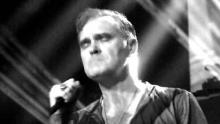 YES I'M BLIND by Morrissey live@Utrecht 28-10-2014