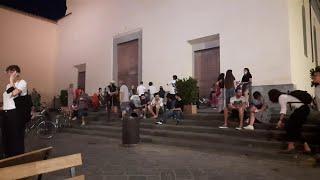 Firenze, Santo Spirito, sagrato invaso nella prima notte in zona bianca