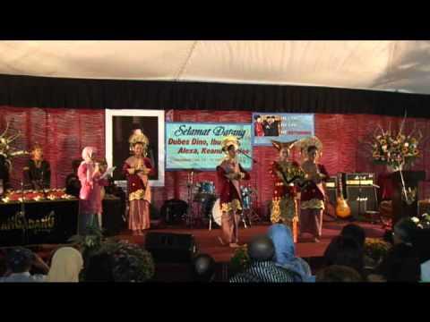 Welcome Dance - Minang kabau  West Sumatra (Tari Pasambahan) by Rumah Gadang Group - USA