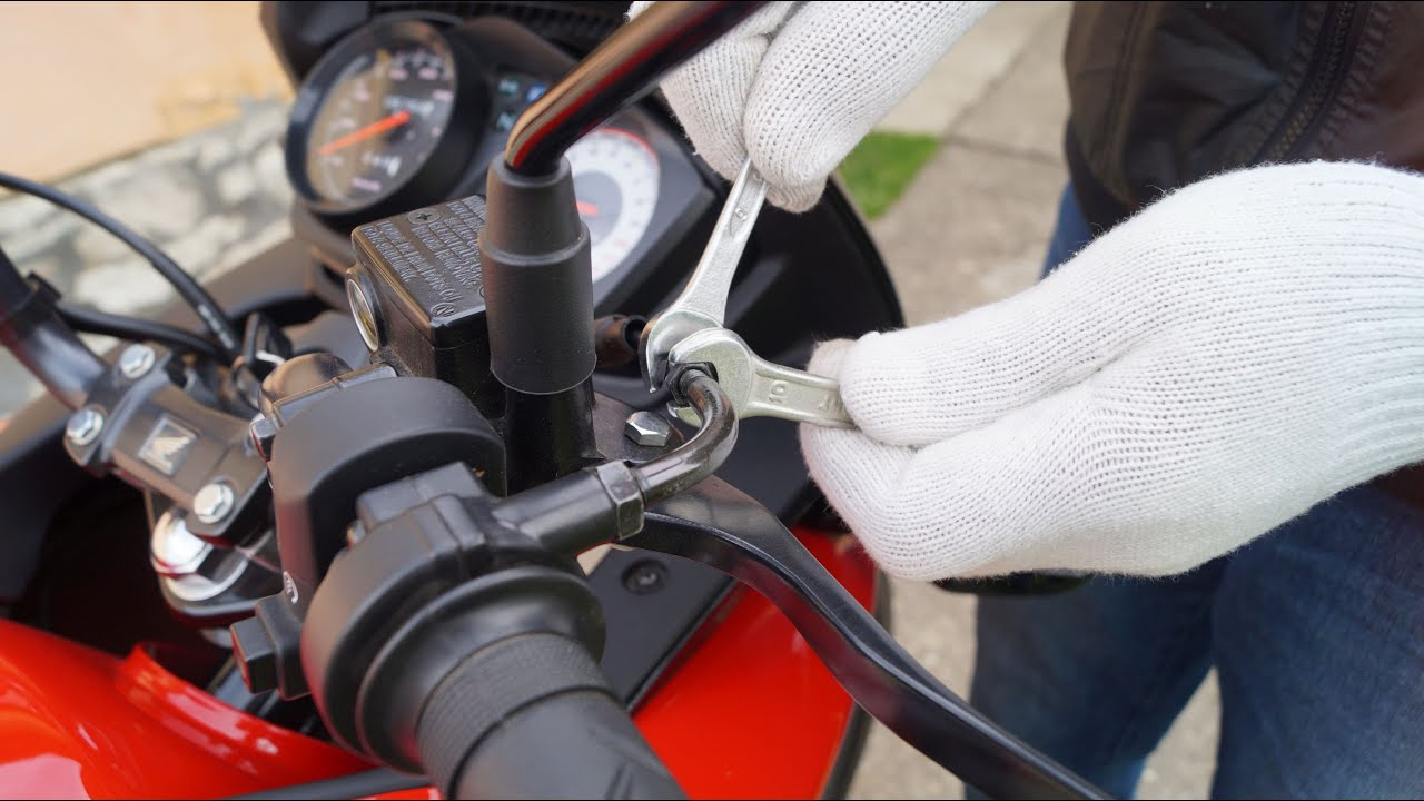 Honda Cbf 125 Throttle Freeplay Adjustment Youtube
