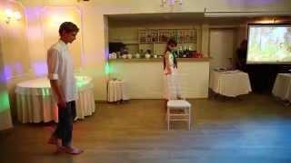 Нестандартный свадебный танец рокера и художницы
