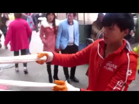 Eating Street Food In China  (Xi'an Fast Chinese Cooking)  China Fast Food