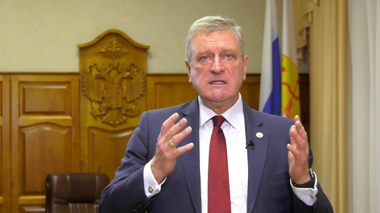 Губернатор Кировской области Игорь Васильев поздравляет Вятскую ГСХА с 90-летием