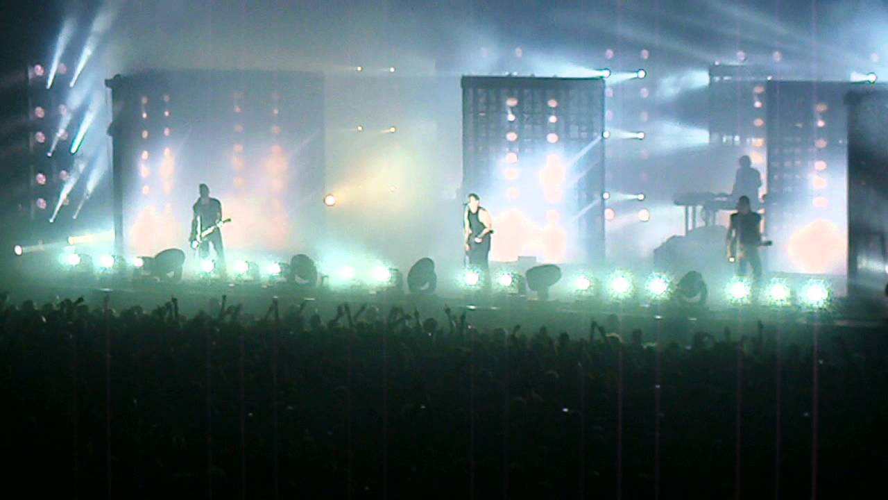 Nine Inch Nails - Head Like A Hole Live Milano 28/08/2013 HD - YouTube