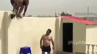 צונאמי - קפיצה לבריכה
