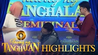 Tawag ng Tanghalan: Vice Ganda is surprised when John Mark Saga touched his clothes