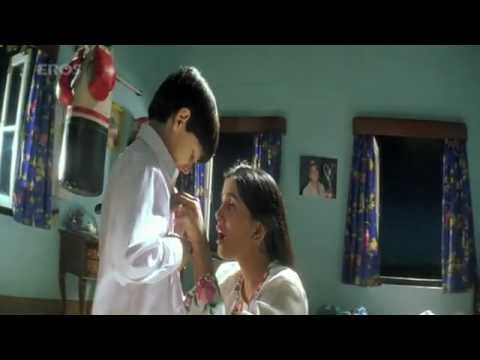So Ja Chanda song -mothers love in Mission Kashmir.flv