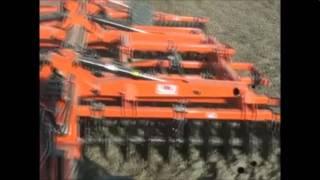 C.M.A. costruzione macchine agricole video macchina al lavoro