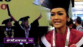 Video Kebahagiaan Jupe Wisuda Sarjana Hukum - Intens 19 November 2015 download MP3, 3GP, MP4, WEBM, AVI, FLV Maret 2018