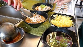 MALAYSIA STREET FOOD TOUR- KUCHING'S most FAMOUS + DELICIOUS DISHES