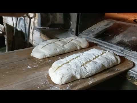 Mise au four des pains pains Tradition Française by Sergio du pétrin moissagais Chartrons Bordeaux n