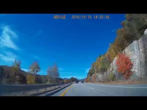 2016-10-16 14:06 - Fall foliage on Interstate 93