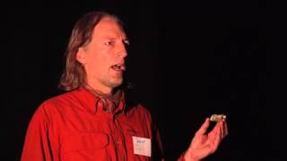 Open mind and a way beyond conflict | Derek Grzelewski | TEDxWanaka