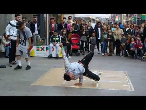 Street dance Piazza del Duomo Milano with accident.
