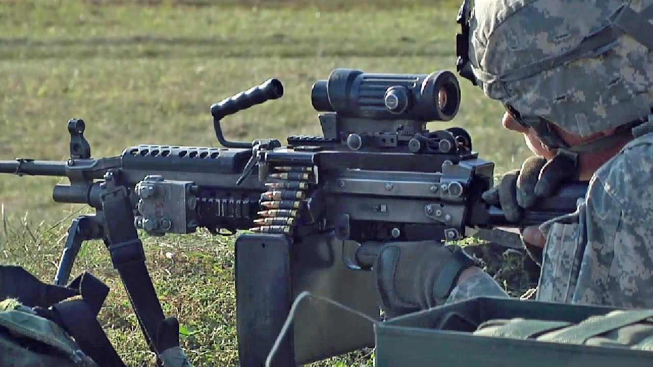 米・リトアニア軍事演習 M249軽...