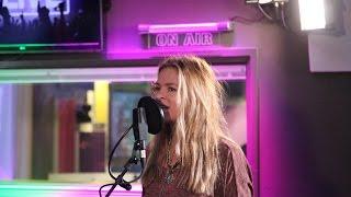 Sandra van Nieuwland - Truth live bij Evers Staat Op