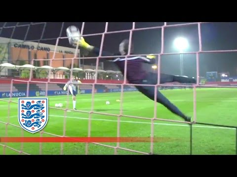 Handling drills with England's goalkeepers (Extended) | Inside Training