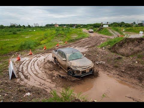 Khách hàng vô tư PHÁ XE Mitsubishi tại Mitsubishi Rally Day - Hà Nội |XEHAY|