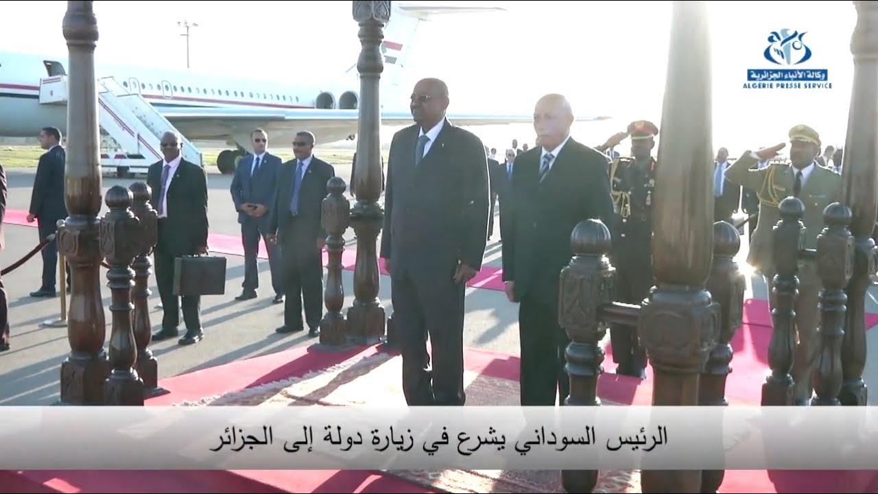 3038bf309 سؤال فقهي ....... هل يجوز السلام بالقبل بين الرجل والمراة .... البشير مثالا  .... توجد صورة - SudaneseOnline
