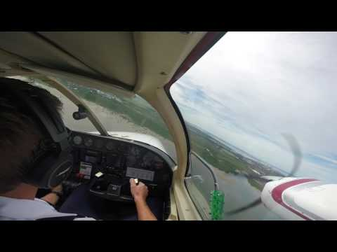 Landing a Cessna 402 in right seat at Darwin Airport