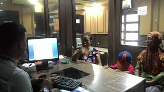 Download Video Sedang Jemur Pakaian, Nenek Usia 58 Tahun Ini Tiba-tiba Dikeroyok Tetangganya MP3 3GP MP4
