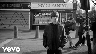 Jake Bugg - Messed Up Kids (Official Music Video)