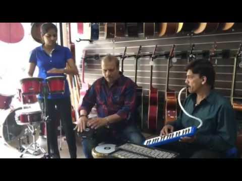 Pallav Pandya ,Shyam Edwankar & Nisha jamming @ Bhargava's