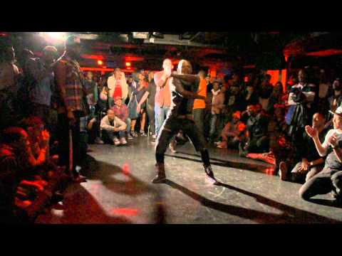 THE ICON ANDRE MIZRAHI @ VOGUE NIGHTS 2011 CLIP 5