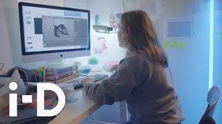 【舞台裏】デジタル・アーティスト ルーシー・ハードキャッスルが生み出す革新的な世界<Making Codes>