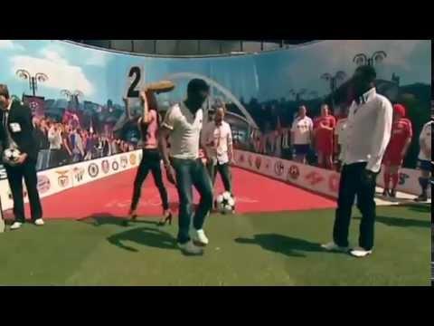 Incredible Juggling skills: Jay Jay Okocha vs Emma Okocha