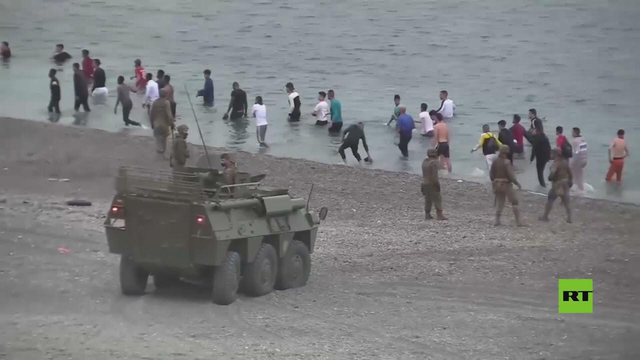 السلطات الإسبانية تقرر الاستعانة بالجيش لمنع تدفق المهاجرين غير الشرعيين عبر مدينة سبتة  - نشر قبل 4 ساعة