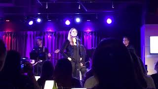 Wicked Tour Story + I m Gonna Be Strong (Kristy Cates)