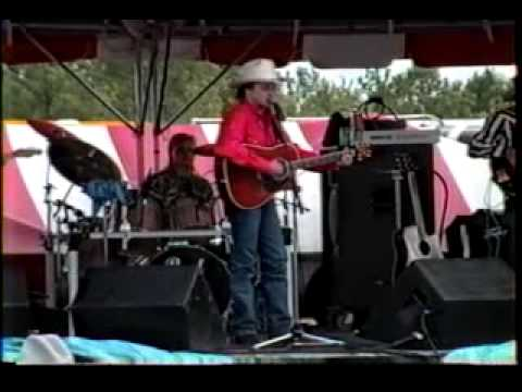 Mark Chesnutt - I Can't Hold Myself In Line (Live)