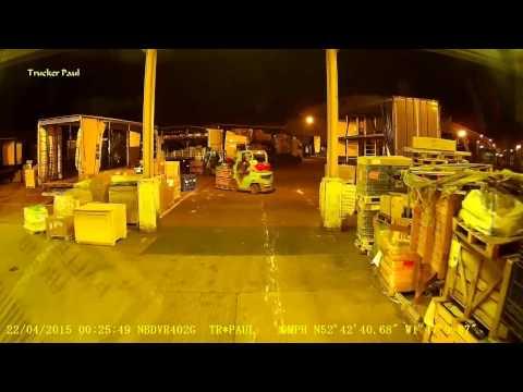 32 - Night Trucking @ FRADLEY PARK tipping & loading - TRUCKER PAUL