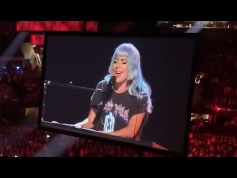 Lady Gaga - Shallow - Sapphire Now  Performance