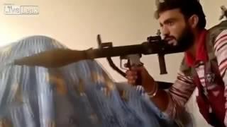 Боевик ИГИЛ не пожалел родителей. Выстрел с РПГ. Ужасы войны.