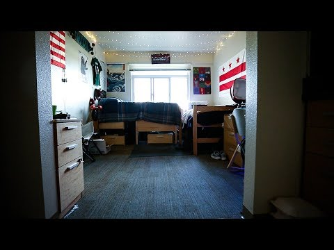 Full Dorm Room Tour - Santa Clara University!