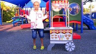 Vlad dan Nikita menghabiskan waktu di taman bermain! Koleksi video untuk seluruh keluarga!