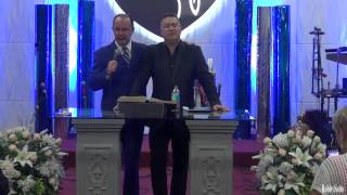 Despedida del culto y oración por Samuel Hernández