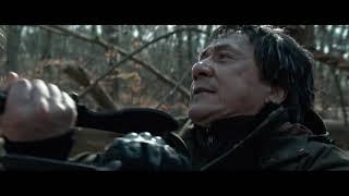 Фильм Иностранец 2017. Драка в лесу